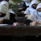 আফগানিস্তানে মেয়েদের স্কুলে যাওয়ায় নিষেধাজ্ঞা জারি করেছে-তালেবান